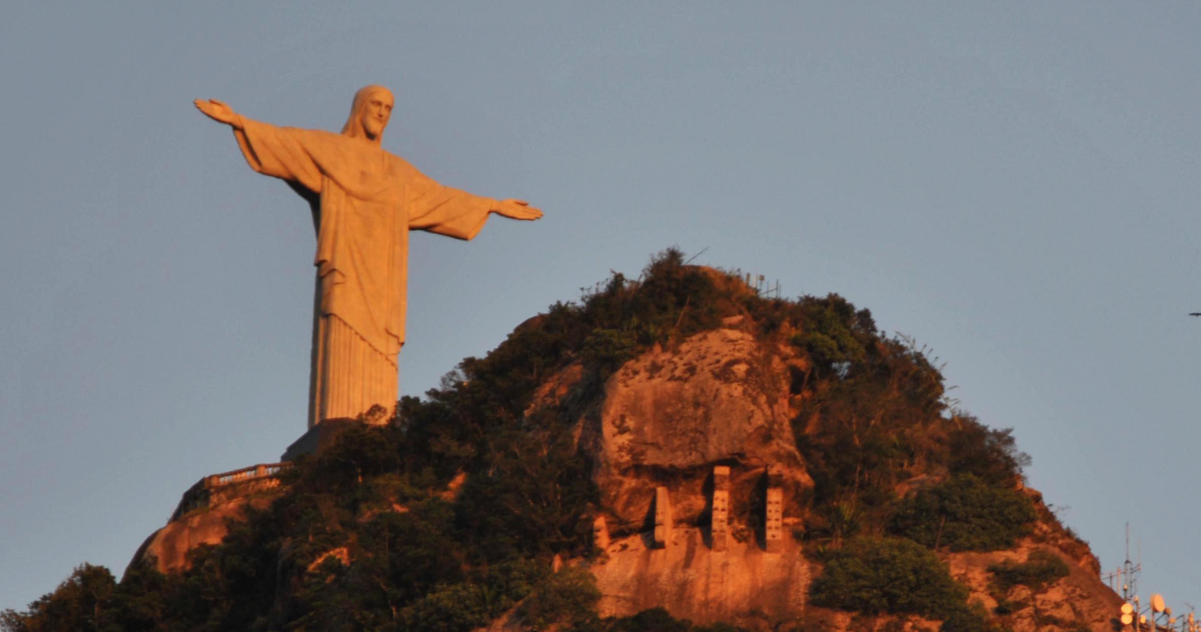 AMANHECER NO RIO.
