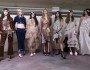 Modelos no backstage da London Fashion Week. Foto: Tristan Fewings / Getty Images