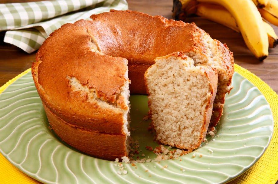 Fácil! Aprenda a receita de bolo de banana com canela - Metrópoles