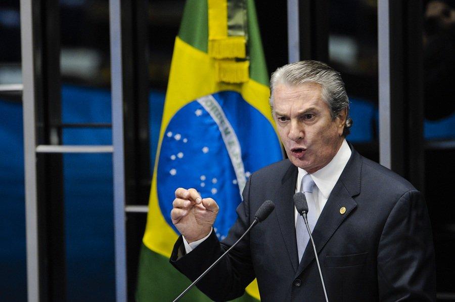 O ex-presidente da República e senador Fernando Collor (PTC-AL) foi outro nome citado como beneficiário das ações da Polícia Legislativa contra grampos