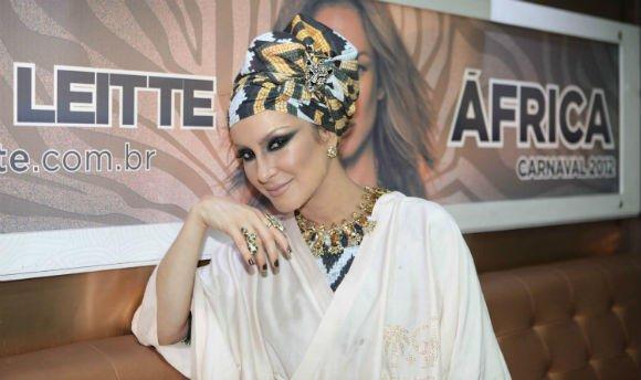Cláudia Leitte também recebeu muitas críticas à sua postura quando usou a cultura africana como temática