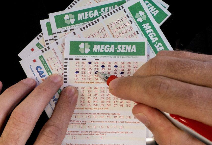 Mega da Virada sai para seis apostadores. Confira as dezenas premiadas