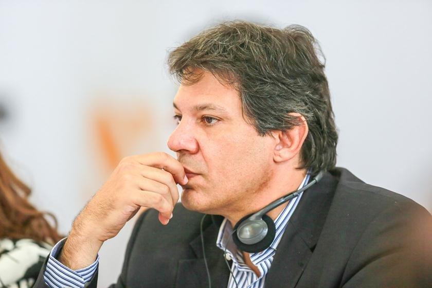Haddad é denunciado por crime eleitoral