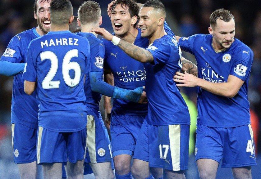 add48f64fe Leicester vence e se isola na ponta  Manchester United leva gol no ...