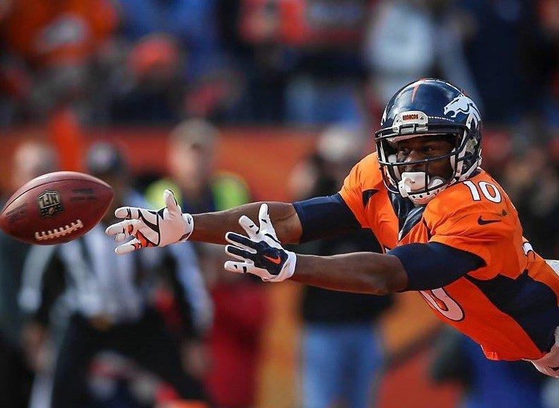 ab5ea06099 Futebol americano. Broncos e Panthers levam títulos de conferência e ...