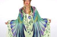 Designer cria lenços que simulam asas de pássaros 97d5a2f614