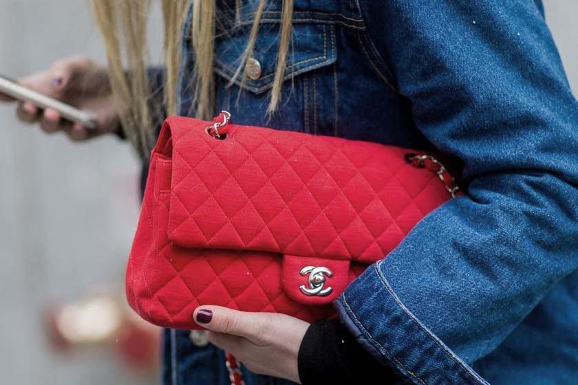 a56911dfeea Bolsas de luxo podem valer até 70% a mais após anos de uso