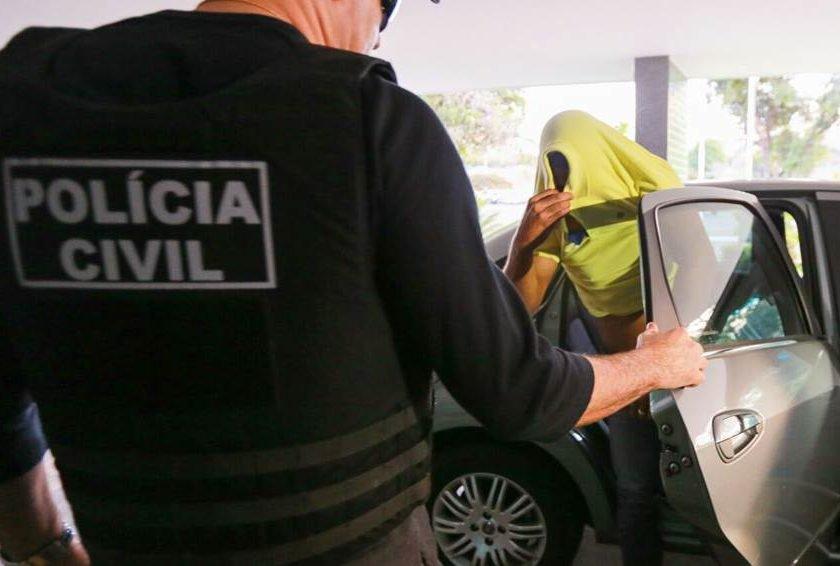 """aacb55ac1 Polícia faz megaoperação contra fraude para """"furar"""" lista da Codhab"""