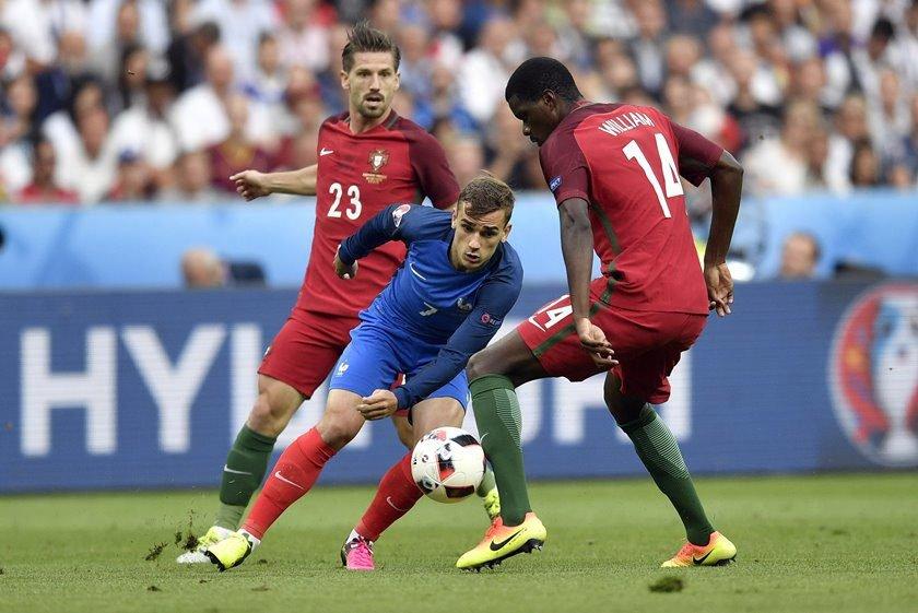 42240328eb Griezmman é eleito craque da Eurocopa e time ideal tem 4 portugueses
