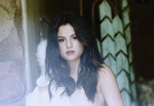 271c7aa1f91cb A cantora Selena Gomez faz show no dia 8 12