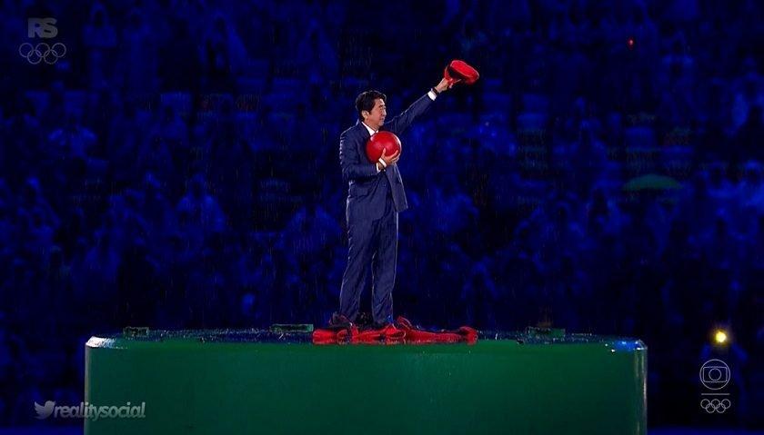 Premiê do Japão faz disparar busca por 'Super Mario Bros'