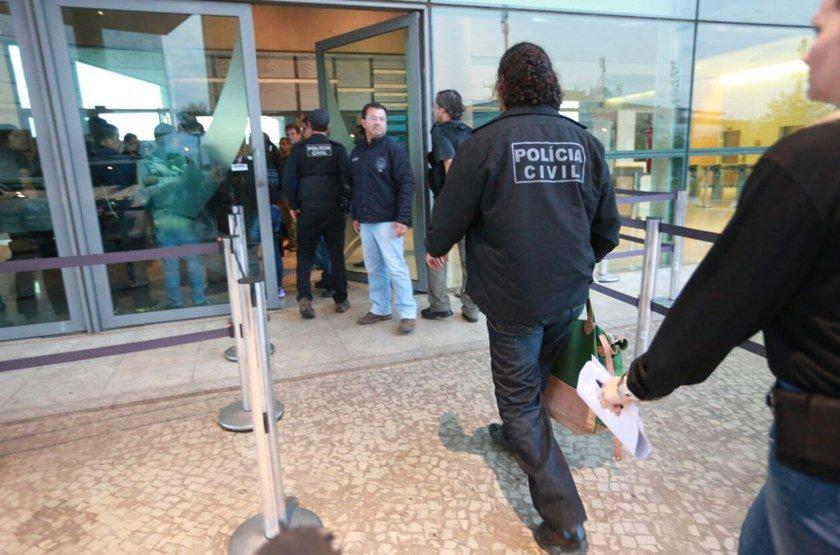 Os policiais chegaram em cerca de 15 viaturas - Foto: Michael Melo/Metrópoles