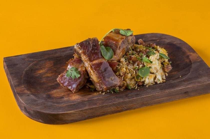 Carne de Lata com Tropeiro da Chef -  Ancho