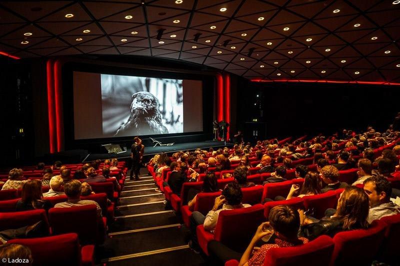 Quase 90 milhões de brasileiros vivem em cidades sem cinema