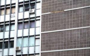 Parte de fachada de prédio na Asa Sul cai e assusta moradores