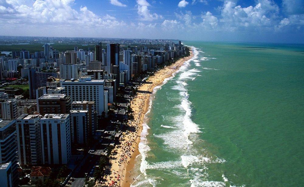 a imagem mostra a orla de Recife