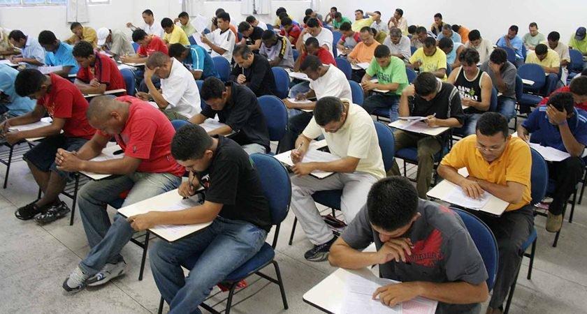 IBGE abre concurso para 1.038 vagas