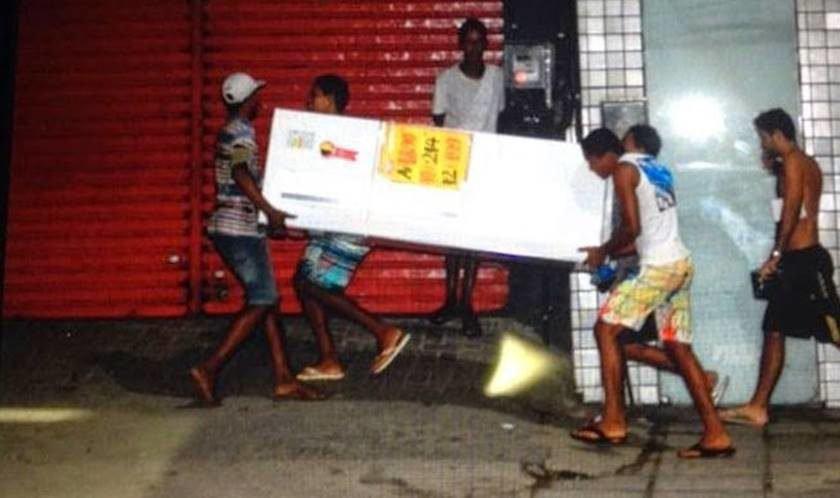 Resultado de imagem para fim da greve dos pm de es