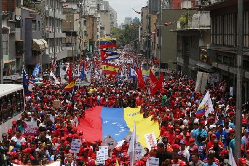 Violência marca votação na Venezuela