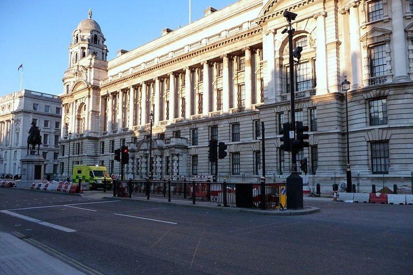 Polícia britânica prende quatro suspeitos em operação antiterrorista