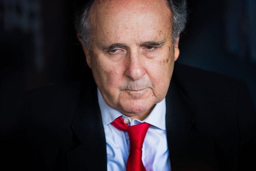 Cristovam é hostilizado em Minas Gerais e cancela lançamento de livro