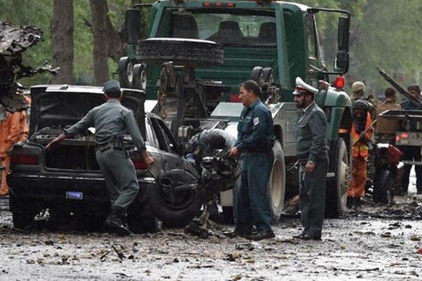 Ataque suicida a caravana da NATO em Cabul mata oito civis