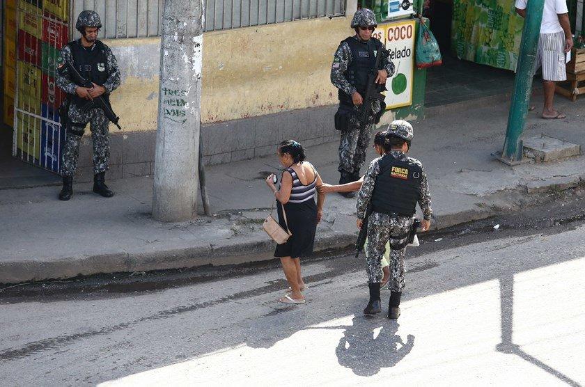 Força Nacional começa patrulhar acesso a favelas no Rio