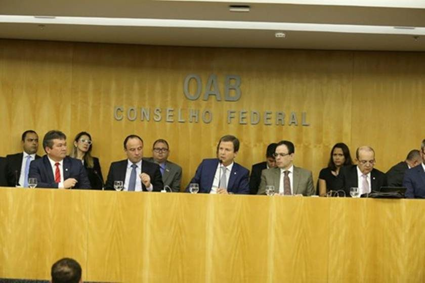 OAB entrará com pedido de impeachment de Temer