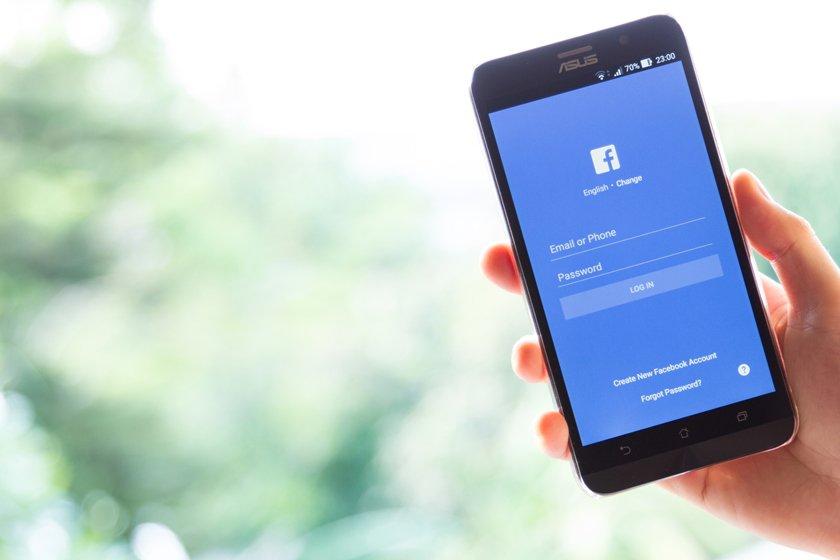 celular facebook redes sociais aplicativo foto ilustrativa
