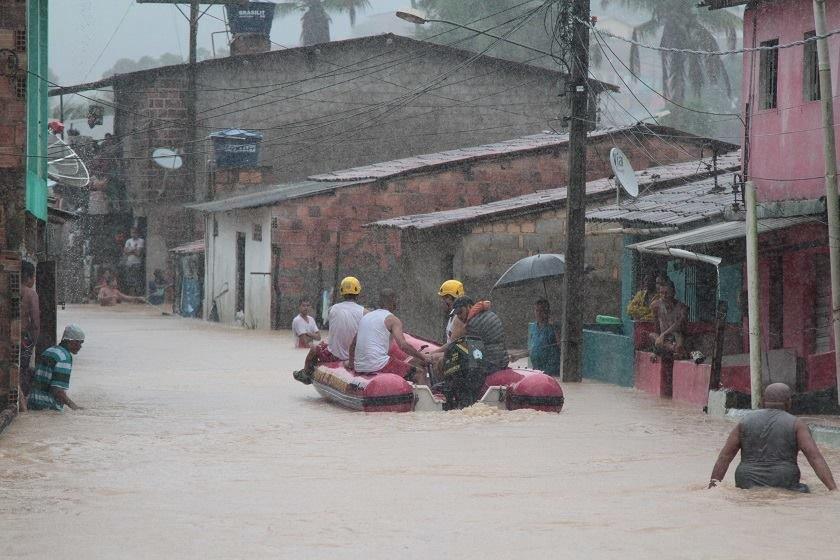 Resultado de imagem para chuvas em pernambuco