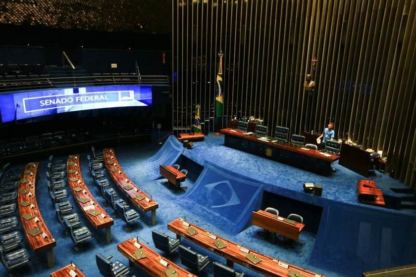 Comissão do Senado vota reforma trabalhista