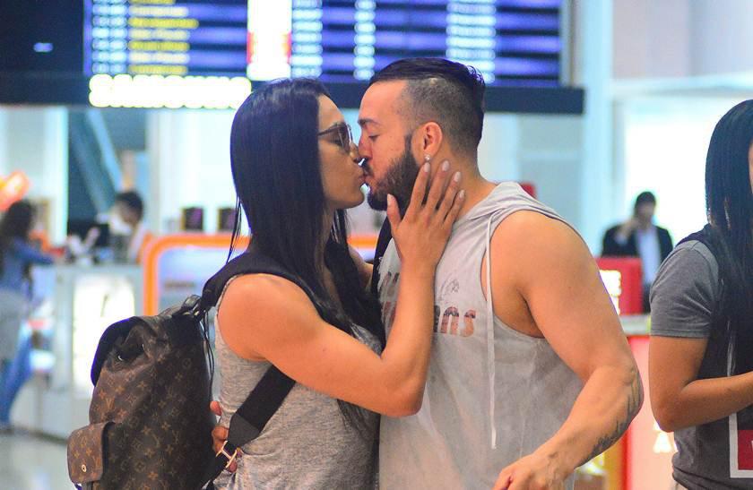 agnews_foto_belo_e_gracyane_embarcam_no_aeroporto_santos_dumont_exclusiva_20170606_0919_g (1)