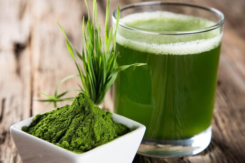 Copo de suco verde