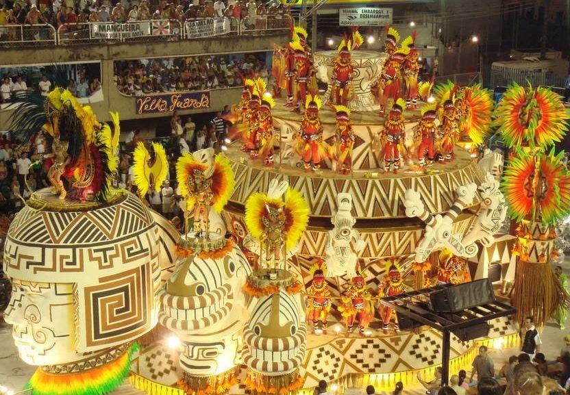 Crivella manterá cortes de verbas às escolas de samba