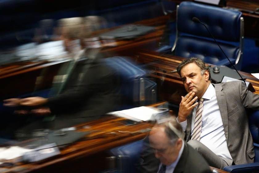 Supremo adia decisão sobre prisão do senador afastado Aécio Neves