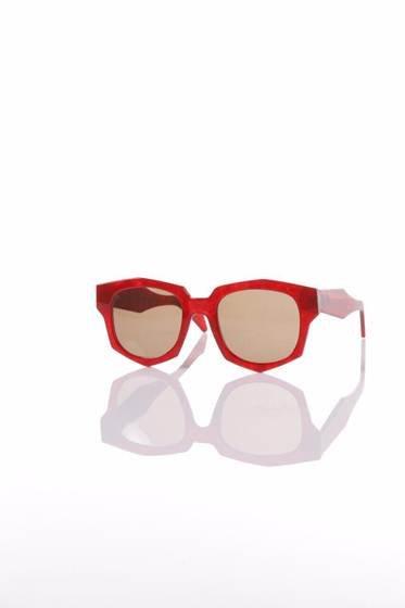 Empresa de óculos brasiliense lança parceria com designer local 427c0ddc2a