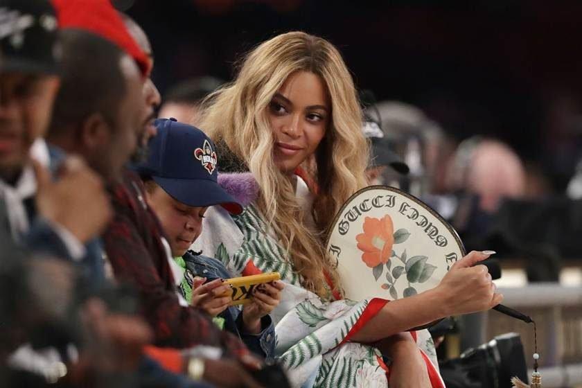 Beyoncé publica no Instagram primeira foto de filhos gêmeos