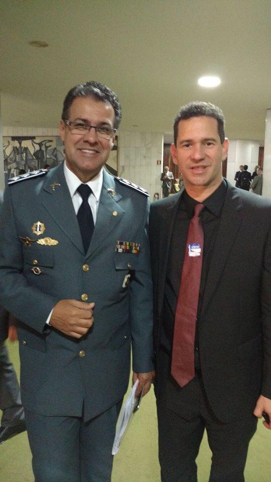 João Wilson Costa Sampaio e o deputado capitão augusto