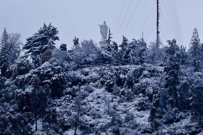 Maior nevasca desde 1971 atinge Santiago no Chile — Fotos