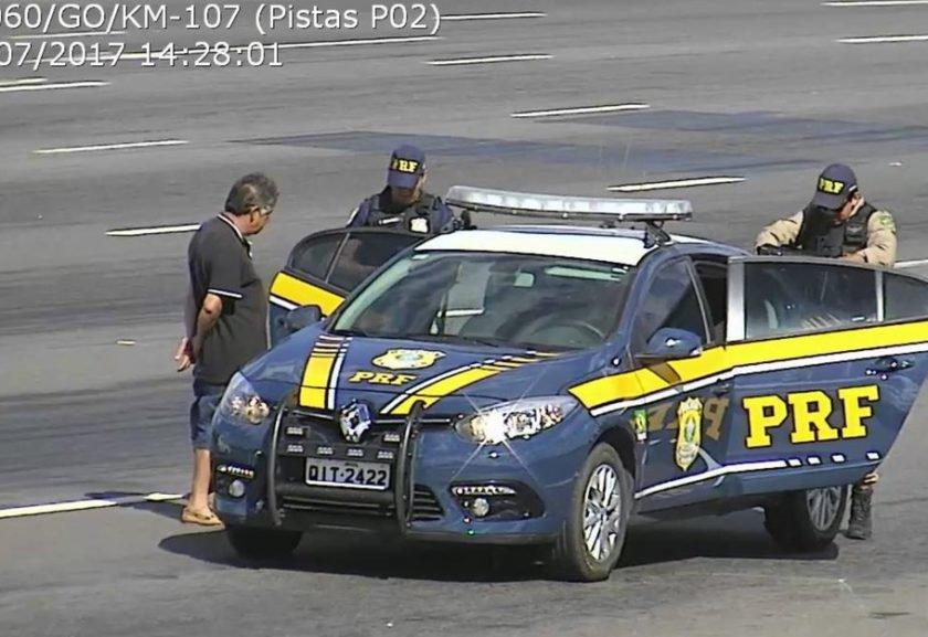Motorista bêbado é preso em Goiás com