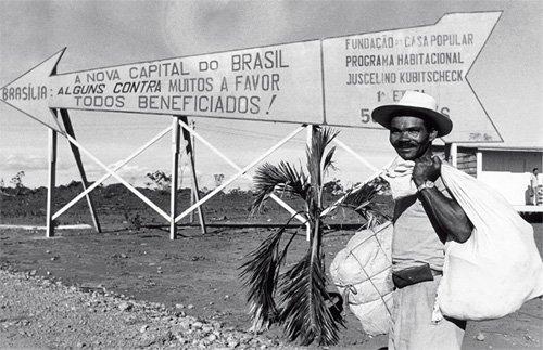 Resultado de imagem para fotos dos candangos na construção de brasilia