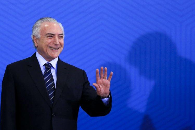 Após se reunir com dissidentes do PSB, Temer jantará com Rodrigo Maia