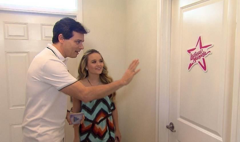 Lari Manoela recebe Portiolli em sua mansão de 8 quartos em Orlando