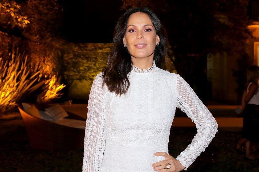 Após 25 anos de contrato, Carolina Ferraz é dispensada da Globo