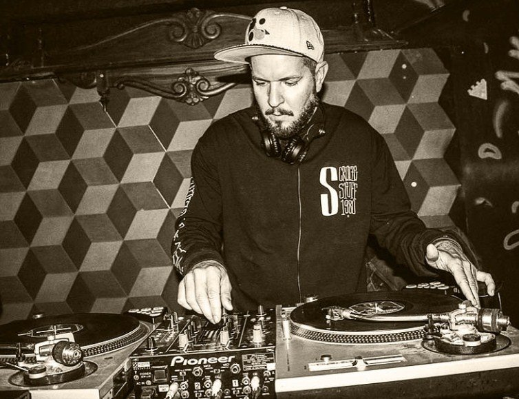 Chicco Aquino DJ