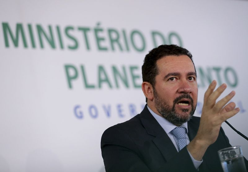 Governo inicia programa de demissão para servidores públicos