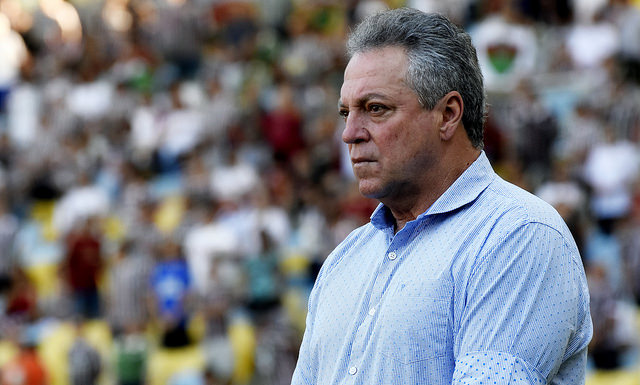 Fluminense vence o Atlético-GO no Maracanã