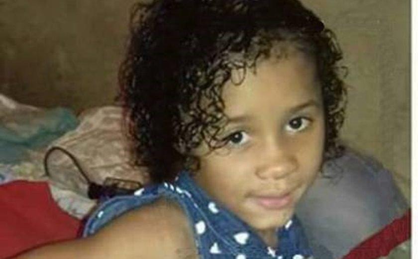 Menina é encontrada dentro de mala morre no Rio