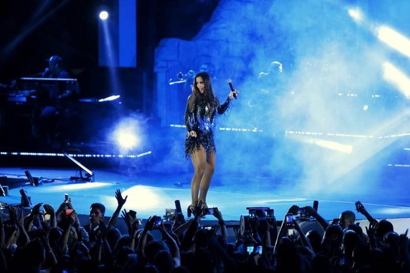 Ivete Sangalo sofre acidente em show
