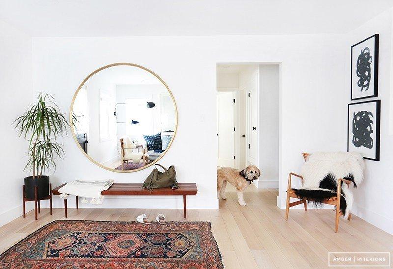 conhe a tr s modelos de espelho que v o modernizar a sua sala